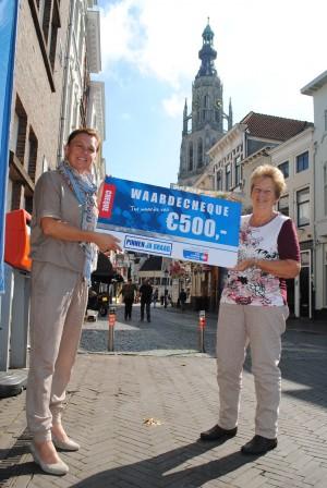 Pinnen ja graag cheque aan KWF Breda